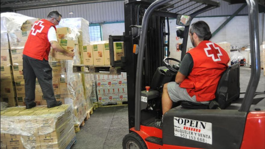 Cruz Roja repartirá 11.760 kilos de alimentos entre familias vulnerables