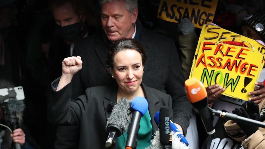 El presidente de México ofrece asilo político a Julian Assange