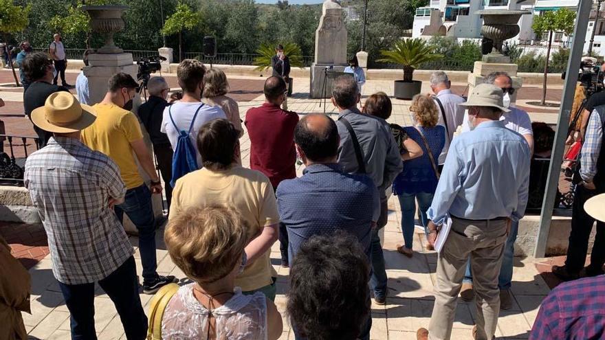 Puente Genil rinde homenaje a seis vecinos víctimas de los nazis en Mauthausen