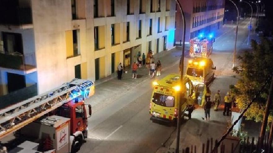 Quatre persones ferides a Navata en l'incendi de la cuina d'un habitatge