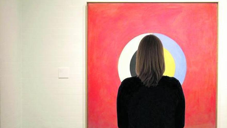 La pintora Hilma af Klint inaugura la Mostra La Ploma