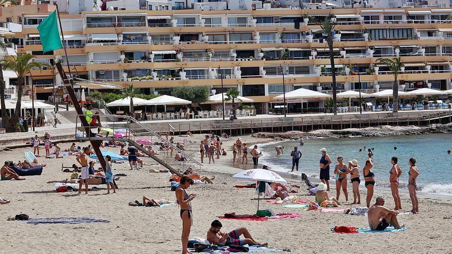Los casos activos de coronavirus descienden un 8,3% en un día en Ibiza y Formentera