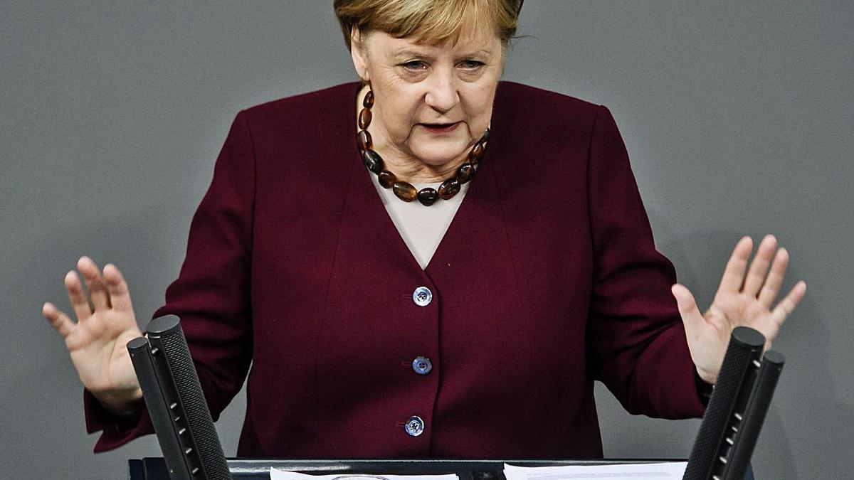 Angela Merkel intervino en el Bundestag y valoró positivamente que no se haya colapsado el sistema sanitario. | | E.D.
