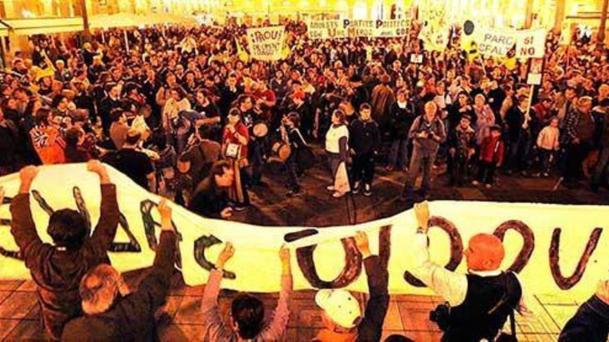 Umweltschützer organisieren Demo gegen Ferienvermietung und Massentourismus