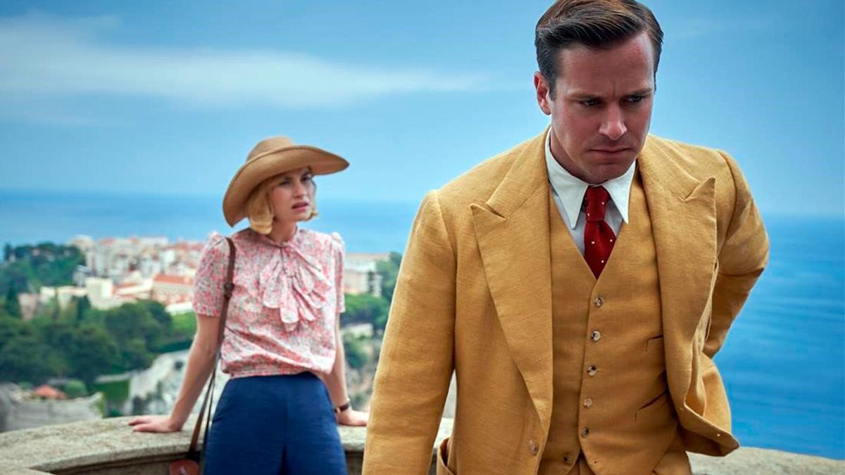 Los actores Lily James y Armie Hammer,  en una escena de 'Rebeca' rodada en Mónaco.
