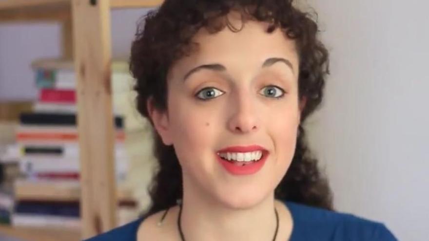 Una jove valenciana crea «Léeme» el primer programa de TV on-line sobre literatura
