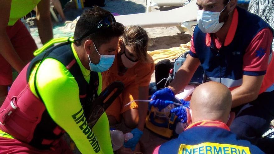 Sanitäter retten Deutsche nach Herzstillstand an der Playa de Muro