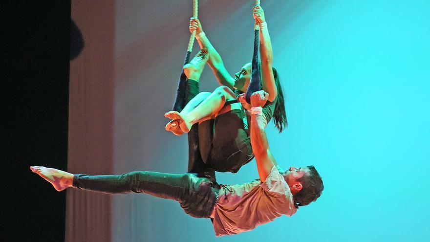 Espectacle en motiu del desè aniversari de l'associació de circ La Crica