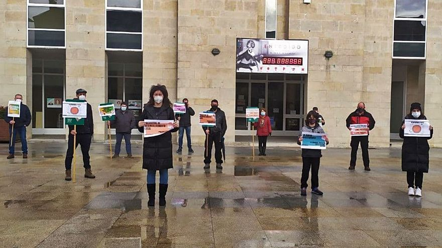"""Protesta contra el reparto del """"pastel"""" de los fondos Next"""