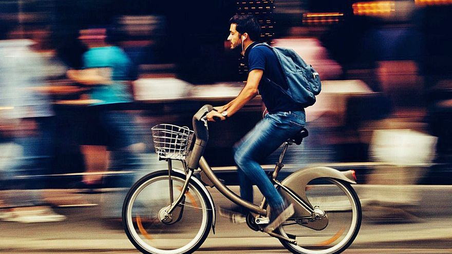El último toque de atención de la DGT a los ciclistas