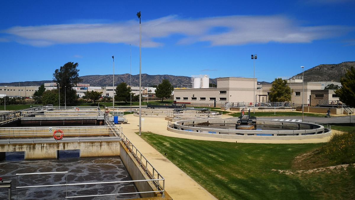 Vista de la Estación Depuradora Valle del Vinalopó, en Elda.