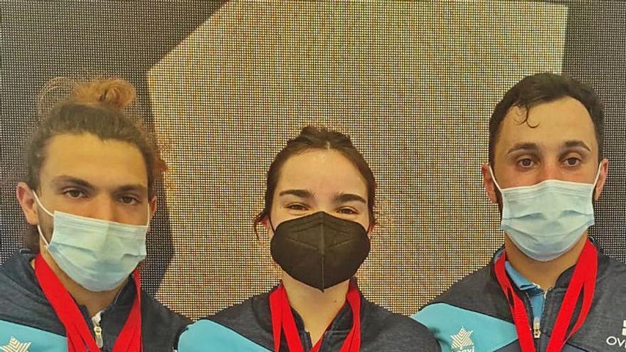 El Club San Mateo de Oviedo regresa con 8 medallas del campeonato de España de halterofilia