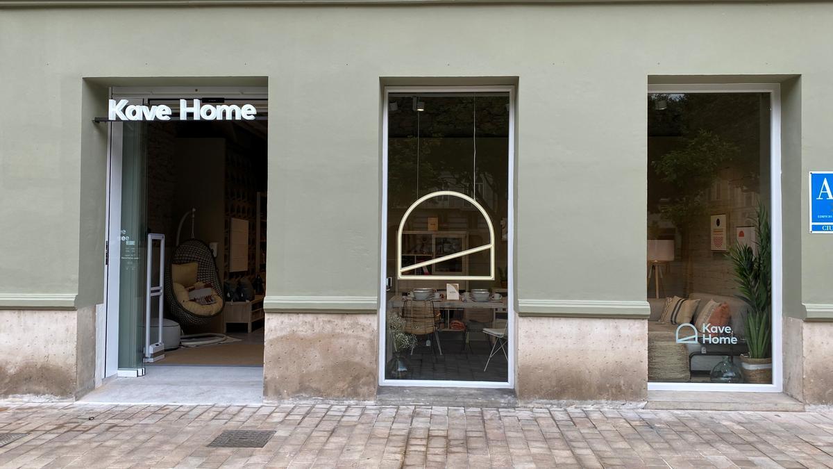 Exterior de la tienda de Kave Home, en la Alameda Principal.