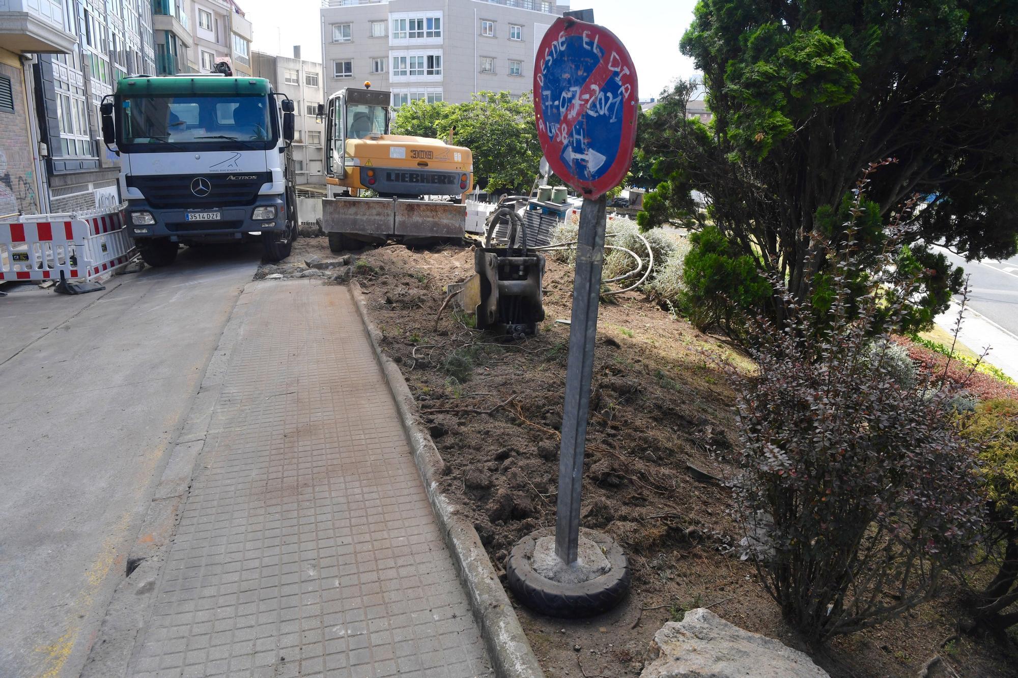 Obras entre Alfonso Molina y calle Cabanas