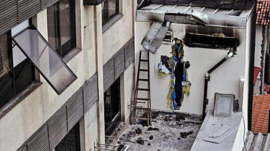 Un incendi causa almenys   deu morts a Rio de Janeiro