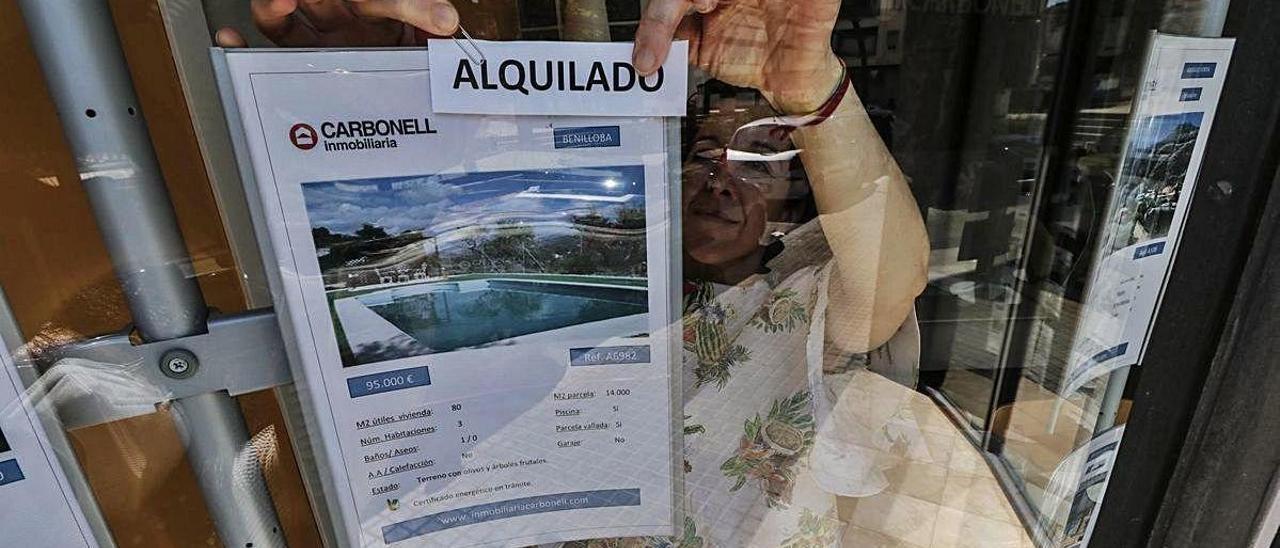 Las inmobiliarias cuelgan el cartel de «alquilado» y se quedan sin oferta de casas de campo para estos meses de verano.