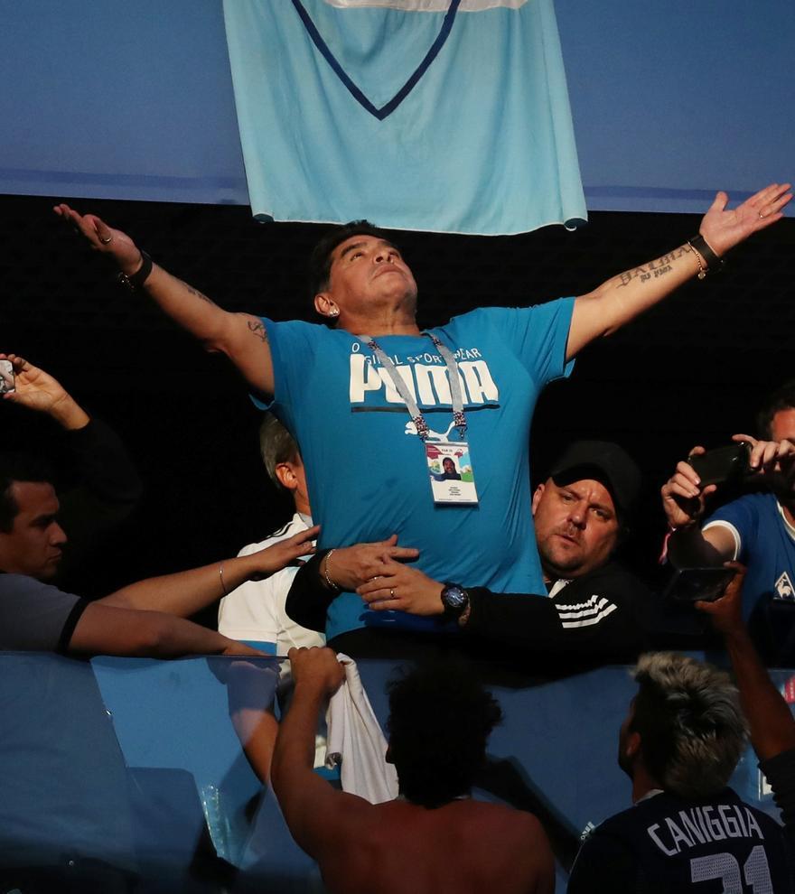 L'infermer de Maradona assegura que li van ordenar «no despertar-lo»