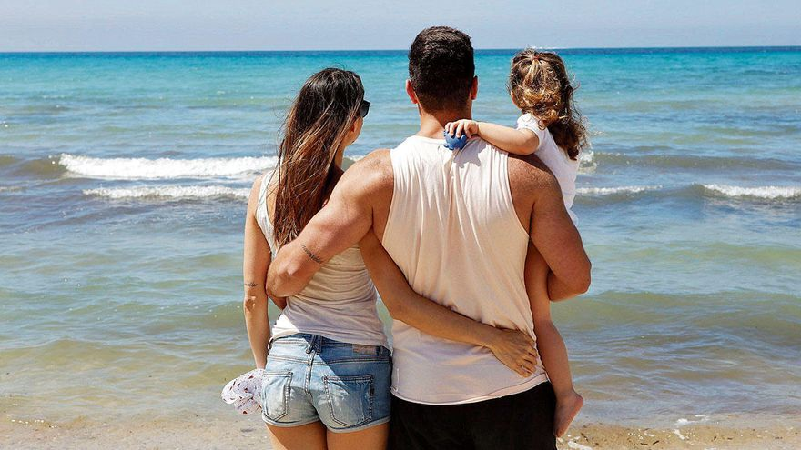 Der Countdown für die ersten Urlauber an der Playa de Palma läuft