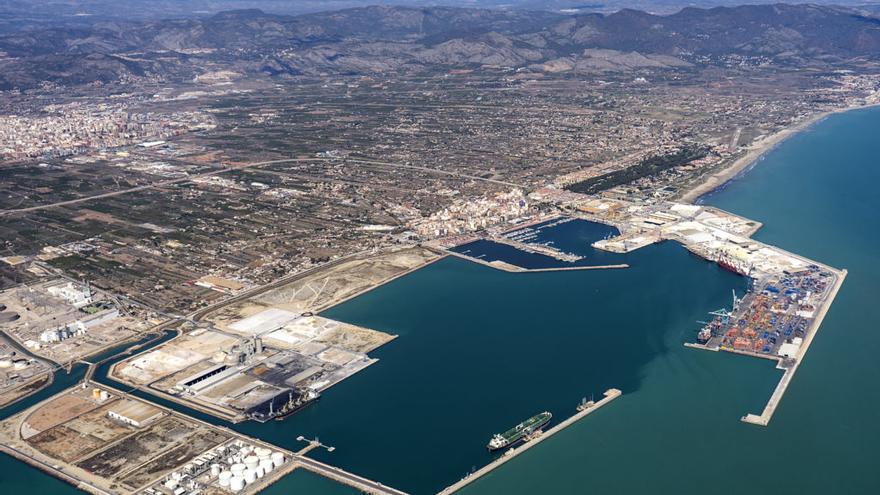 El transporte en PortCastelló se reanuda el viernes tras lograrse el desbloqueo en el conflicto