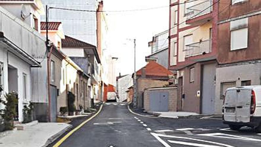 Concluye la reforma de la Rúa da Torre en el barrio de O Burgo