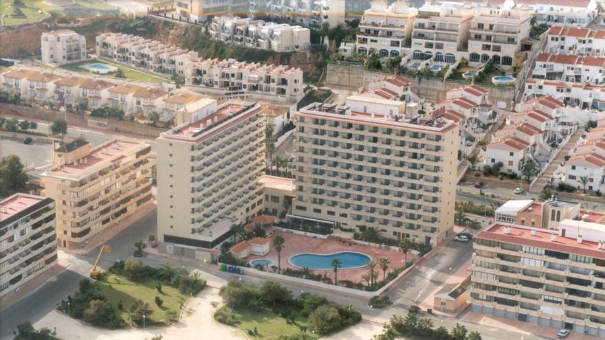 El covid fuerza  el cierre por primera vez de los principales hoteles de Torrevieja