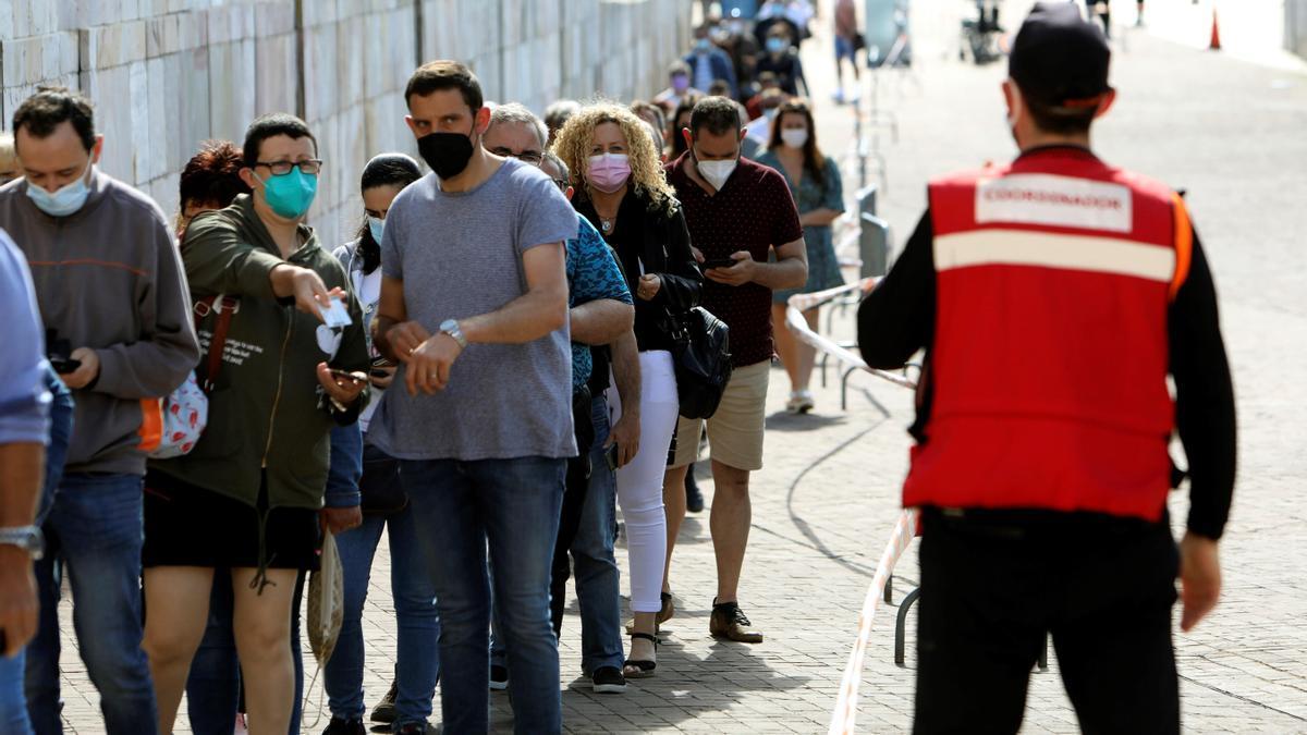 Vacunación en Santiago.