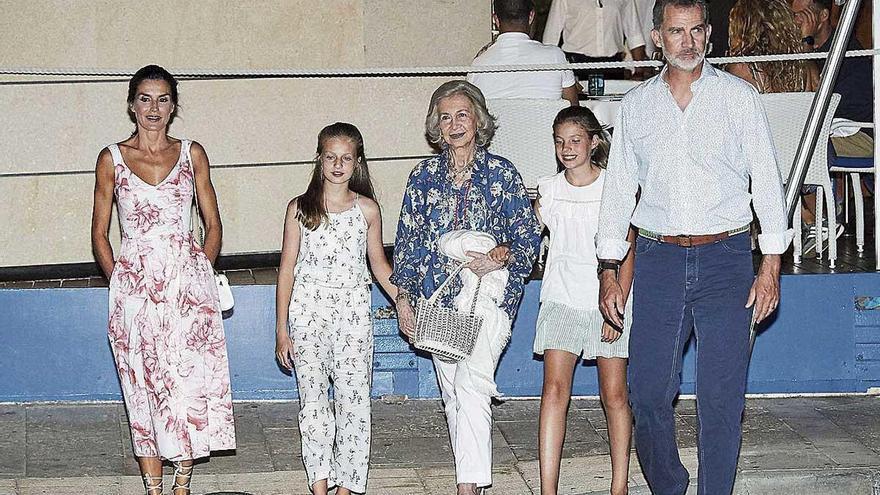 La familia Borbón vive sus vacaciones veraniegas más dispersas