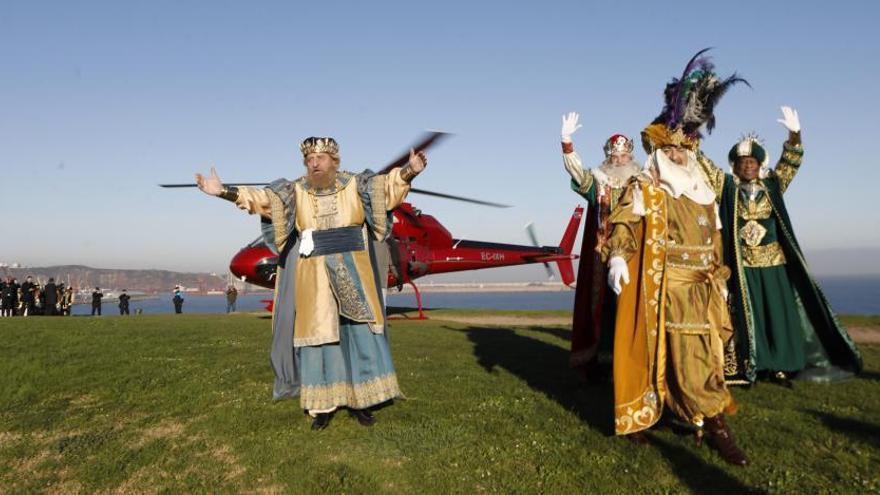 Llegada en globo y recepción en la plaza de toros en turnos de 164 personas: así será la visita de los Reyes Magos a Gijón