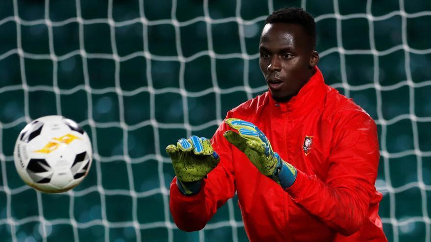 El Chelsea ficha a Mendy y complica el futuro de Kepa