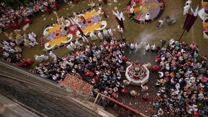 El tapiz de la plaza del Ayuntamiento, un siglo en honor del Corpus Christi