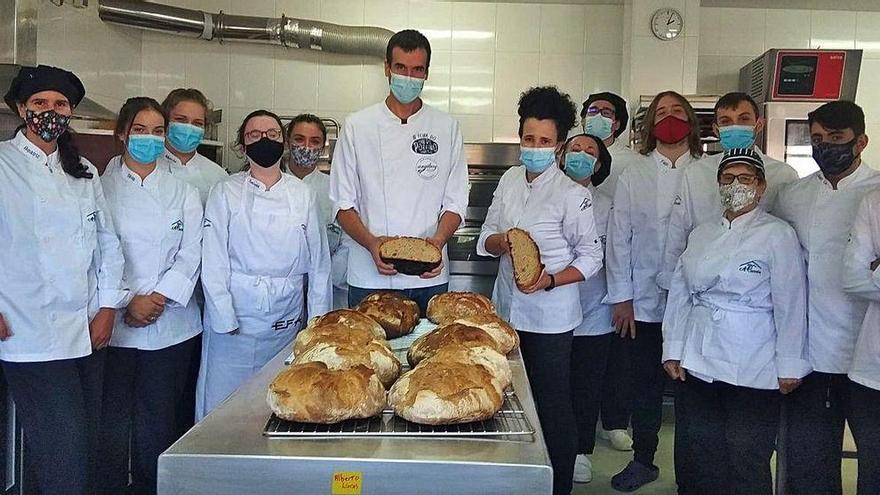 Jóvenes en busca del secreto del pan