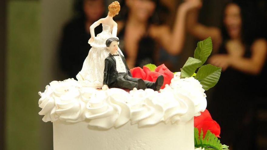 Unos recién casados que envían las facturas con el coste del cubierto a los invitados que no se presentaron a la boda