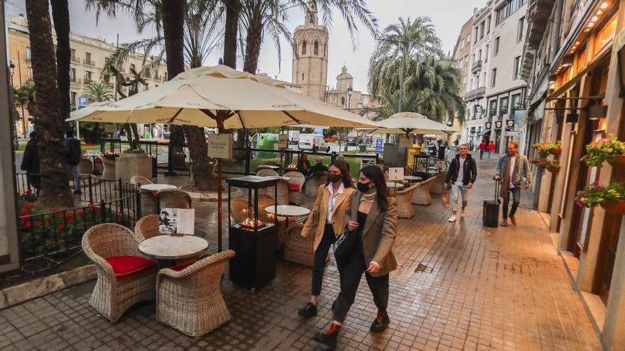 Los bares podrán abrir las terrazas desde el martes en la C. Valenciana