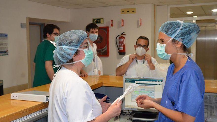 El Reina Sofía se prepara para abrir una tercera unidad covid ante el auge de la presión hospitalaria