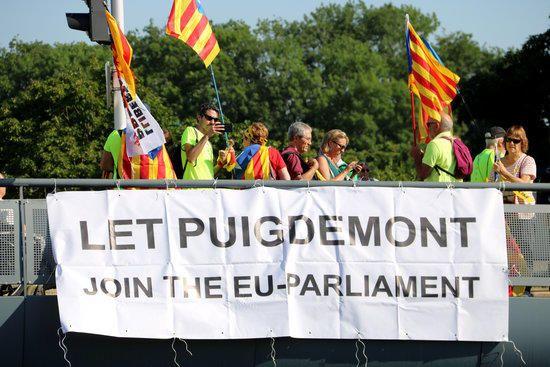 Concentració independentista davant l'Eurocambra