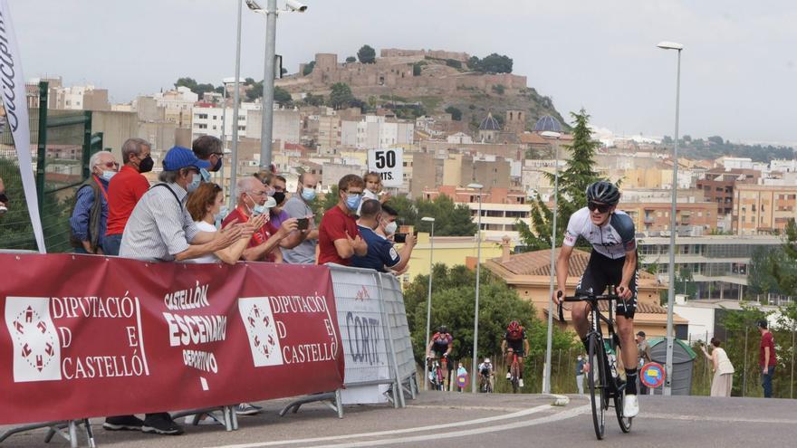 Igor Arrieta gana en Onda y se viste de líder en la Volta a Castelló