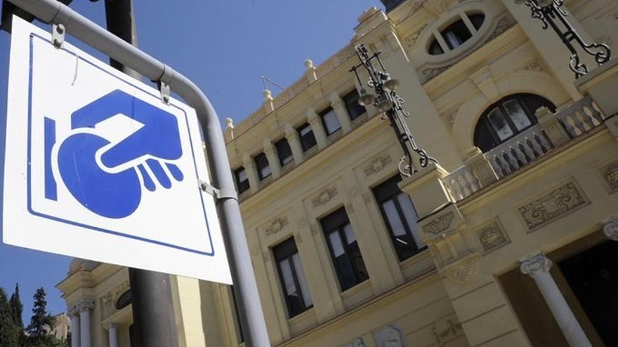 La zona azul de Málaga vuelve desde este viernes a su horario habitual