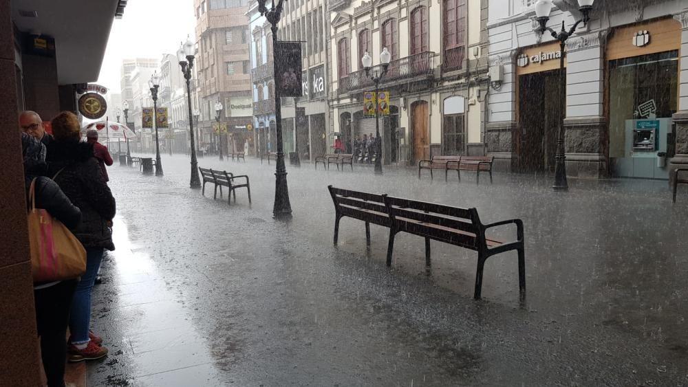 Lluvia en Triana.