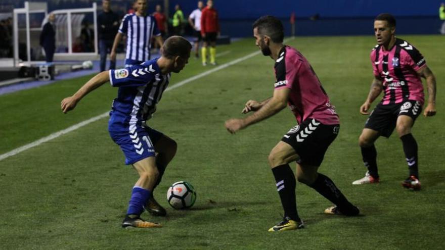 El Lorca FC sigue sin ganar tras dejar vivo al Tenerife