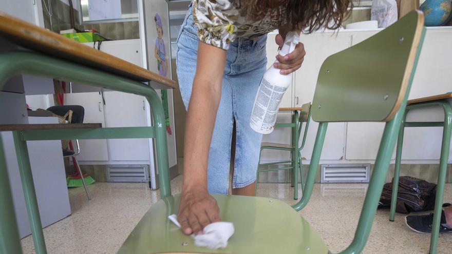 Educación tiene a 83 grupos de estudiantes  y profesores en cuarentena