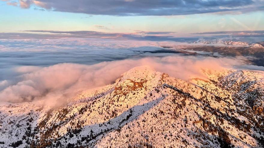 La nieve en las montañas de la provincia de Alicante, a vista de pájaro
