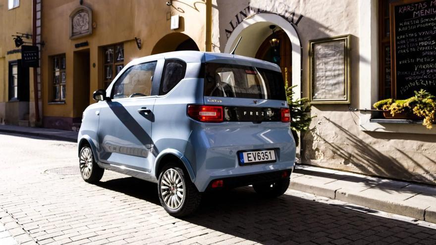 El Dartz Freze Nikrob, el coche eléctrico más vendido del mundo, llega a España y este es su precio
