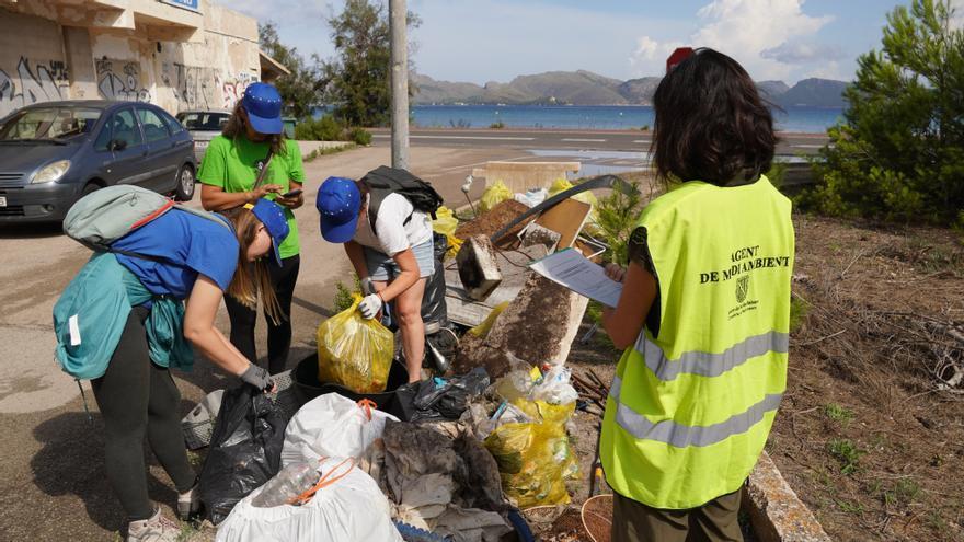 Recogen 245 kilos de residuos en la Reserva Natural de s'Albufereta