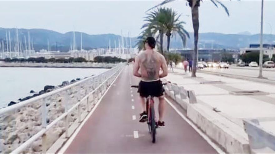 Götze badet, Ibrahimovic radelt auf Mallorca
