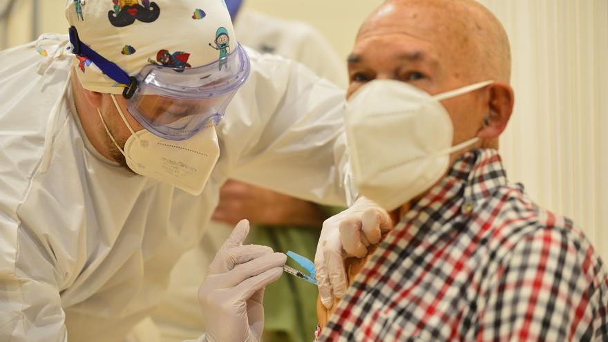 Comienza la vacunación en el pabellón Cabezo Beaza de Cartagena