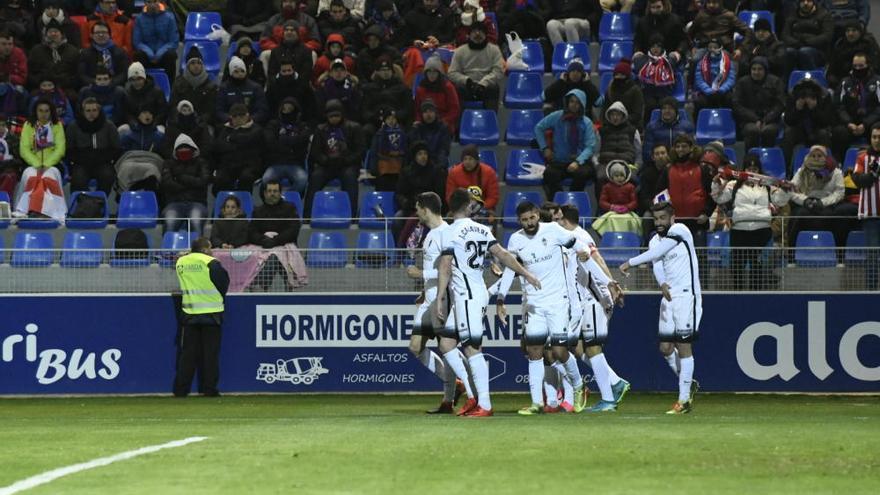El Sporting se mete de lleno en la lucha por el ascenso directo
