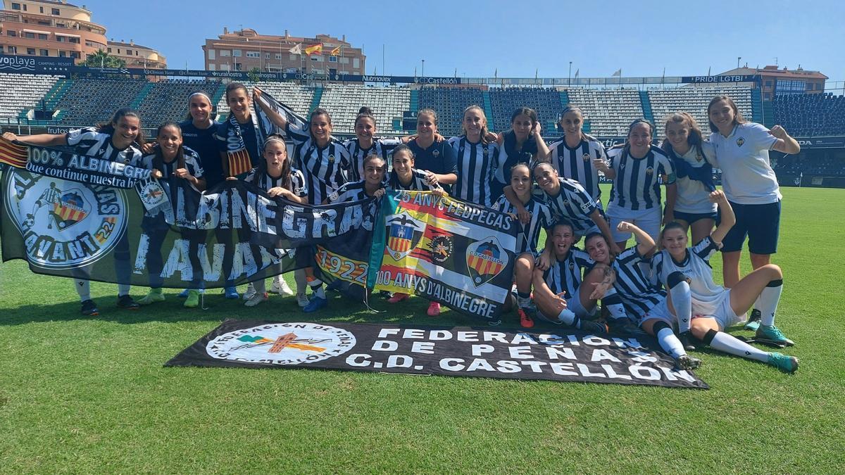 Las jugadoras del Castellón celebran la victoria ante el Granadilla Tenerife B en Castalia.