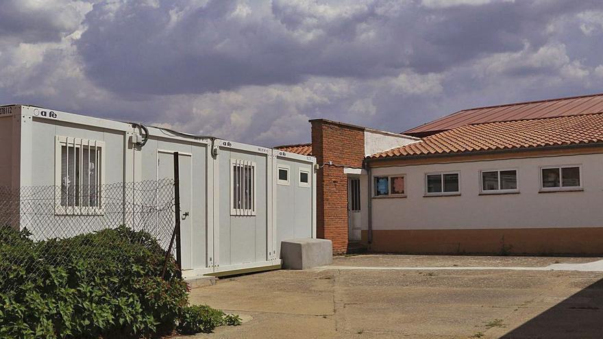 Educación ampliará la escuela de Valcabado para sustituir la caseta prefabricada