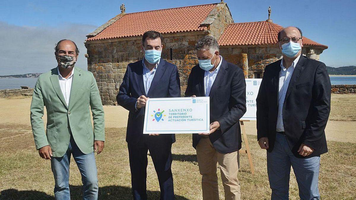 Acto de declaración de territorio de preferente actuación turística de Sanxenxo en A Lanzada.