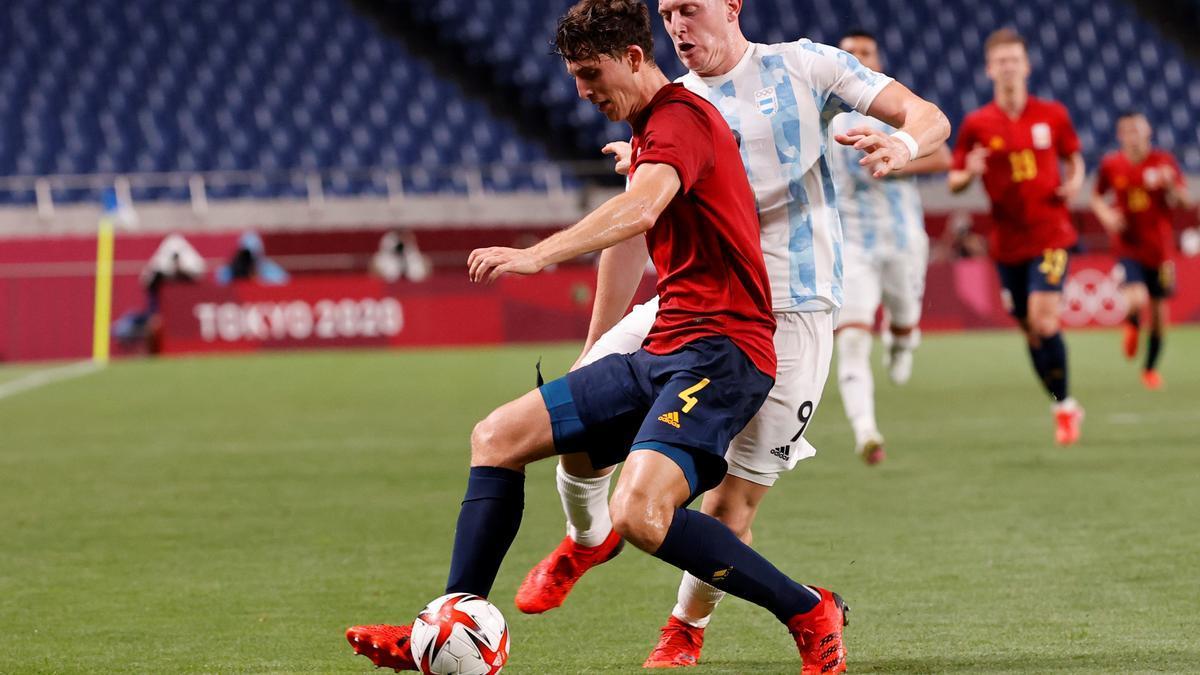 Pau Torres, durante el encuentro ante Argentina.